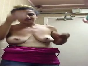 Saggy - Amamom facefuck