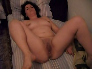 Attractive mom showing vagina - bulgarian