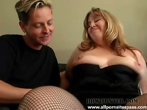 BBW blonde milking cock with her mouth