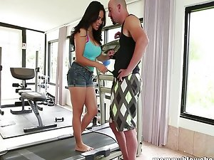 Hot mom Jessica Bangkok is blowing her young