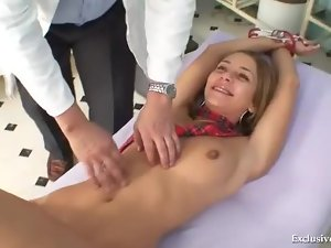 Schoolgirl takes a cumshot from her doctor