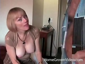 Incredible body on a milf that loves making porn