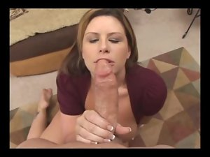 Big girl gives a damn good blowjob