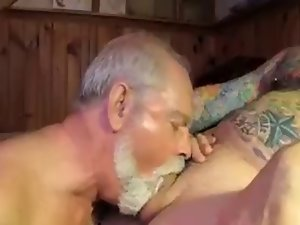 Polarbear Daddy Licks & Strokes Balls & Eats Cum