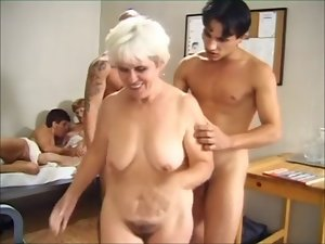 Grannies Sex Group R20
