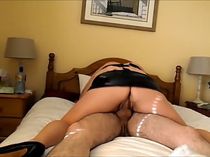 Amateur screwing in pvc and heels!!
