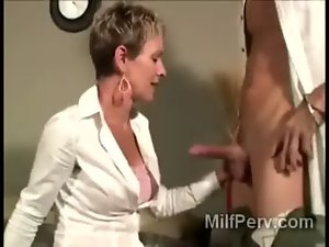 So alluring experienced blondie vixen gobbles down her cockmeat sandwich