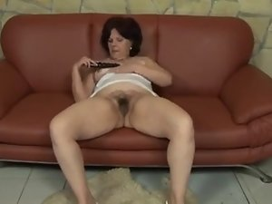 Obese ugly mum with saggy hooters & hirsute pussy