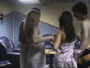 Swingers swapping