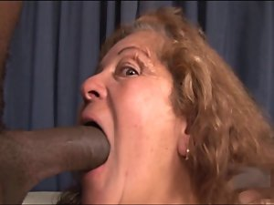 Juicy round ass Latin Grandma - 105