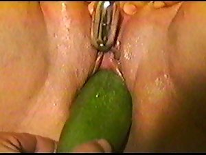 Chunky dirty wife mast and squirt while geting cucumber banged