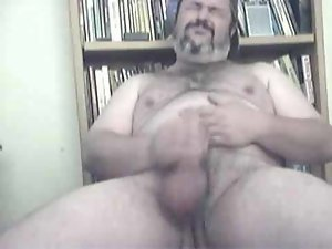 Hirsute Big Daddy Bear jerking it