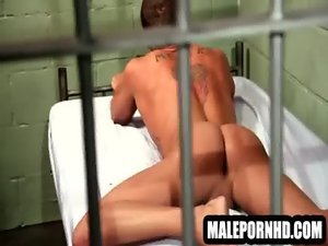 Lewd stud in masturbating in his jail cell