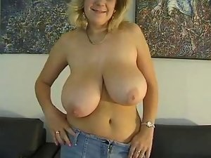 Plumper Blond Loves To Show Her Knockers
