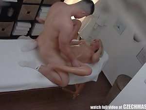 Gorgeous Blondie Gets Oil Massage & Fuck as Bonus