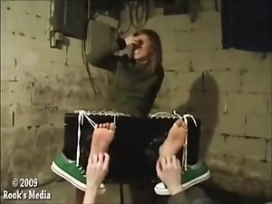 Lindsey Foot Tickling in Stocks