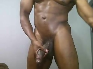 Fatty ebony muscle phallus on cam