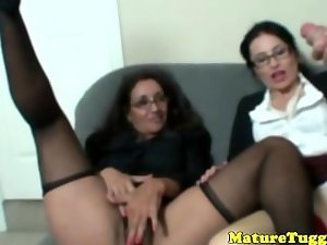 Spex housewifes wanking and watching