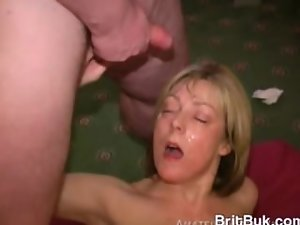 Wonderful Blondie Filthy bitch Gets a Cum Mask Bukkake on Her Smiling Face