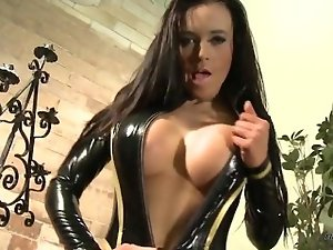 Kimberley in Latex