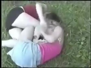 Kristy vs Amanda extreme catfight girlfight hairpulling