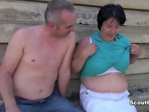 German experienced Obese Mother get caught and screwed outdoor