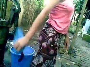 BANGLADESHI - Deshi Young lady Bathing outdoor and Recording
