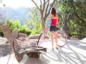 Narrow cutie Lexi Bloom stripped off and fingering outdoors