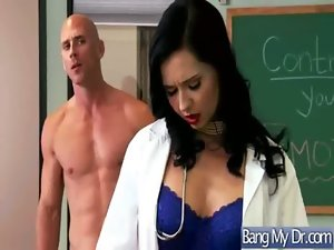 Sex Between Doctor And Nympho Chesty Pacient Lady video-01
