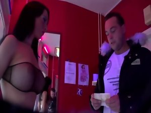 Dark haired oral and dick sucking from euro tourist on his vacation