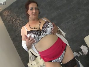 Big breasted experienced slutty mom hungry for fuck