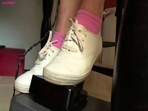 Penny Keds pedal pumping front preview