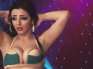 Attractive Lebanese belly dancer 3