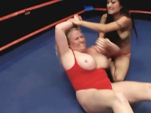 Plump Blondie Beat Down