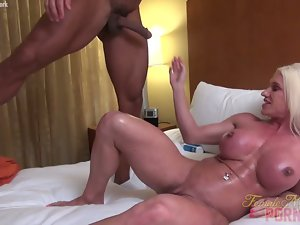 Ashlee Chambers Gets Her Muscles Screwed