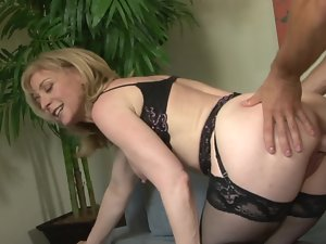 Luscious Nina Hartley grinded by the fit 19yo man