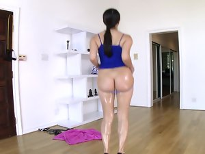 Italian young lady is moving her butt so it would be penetrated anally