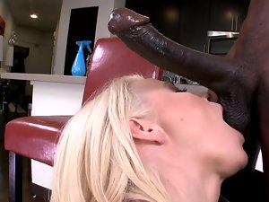 Curvy blondie porn star needs a big chocolate pecker right now