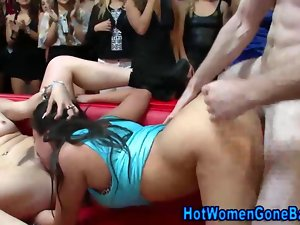 Facials at an amateur party end an orgy