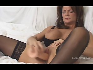 Deauxma coming climax with toy