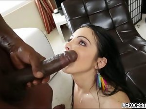Dianna Dee worships black shaft and deepthroats the massive pole
