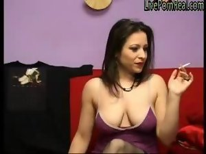smoking dark haired playing brutal with her snatch 1 wmv