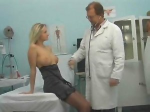 Filthy tempting blonde banged by her doctor