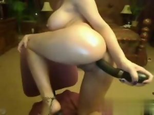 Asian girlie has a filthy rub down on the webcam show