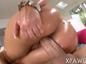 Attractive dirty ass slutty girl gets her sphincter screwed