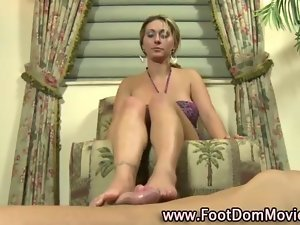 Foot fetish slutty girl gets a cumshot