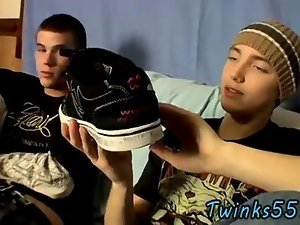 Two twinks sniff shoes and jerk off