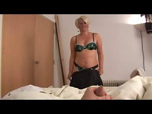 Attractive mature bimbo ruling over a shaft Point of view