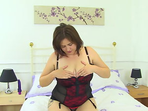 Buxom natural stepmom riding her favourite faux-cock