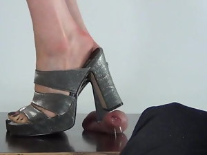 Stilettos Crush Balls